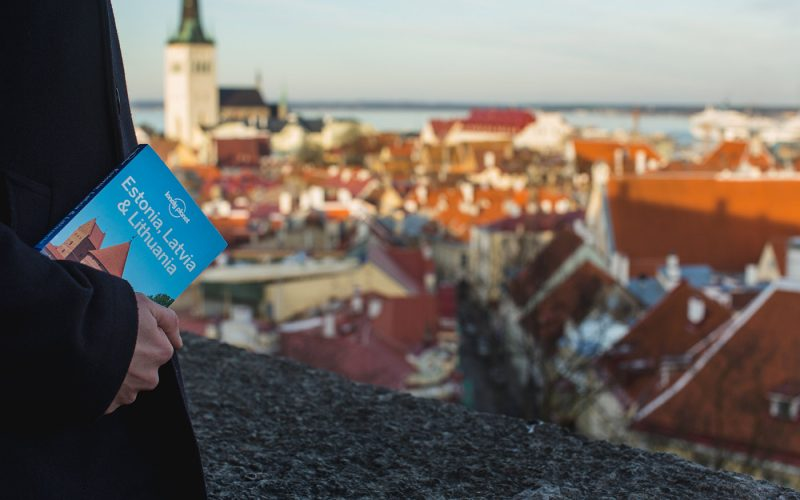 Travel guides: love them or ditch them?